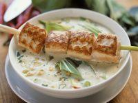Suppe auf Thai-Art mit Lachsspieß Rezept