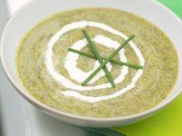 Suppe aus Brunnenkresse und Artischocken