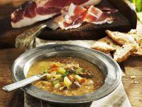 Suppe aus Kastanien, Gemüse und Schinkenspeck Rezept