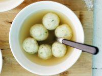 Suppe mit Markklößchen