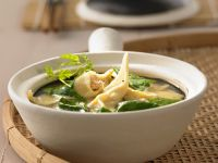 Suppe mit Spinat und Wan-Tan Rezept