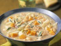 Suppe mit weißen Bohnen und Karotten Rezept