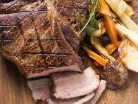 T-Bone-Steak mit Ofengemüse