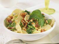 Tagliatelle mit Pancetta und Spinat
