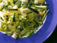Tagliatelle-Spargel-Salat mit Zucchini Rezept
