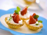 Tarteletts mit Joghurtcreme und Erdbeeren Rezept