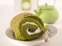 Tee-Biskuitroulade mit Sahne Rezept