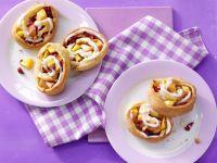 Teigschnecken mit Pfirsichen Rezept