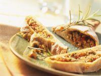 Teigtasche mit Paprika-Thunfisch-Füllung (Empanada) Rezept