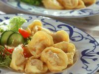 Teigtaschen mit Hackfleisch gefüllt auf sibirische Art Rezept