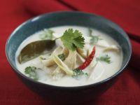 Thai-Kokossuppe mit Hähnchen