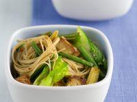 Tofu mit Gemüse und Nudeln Rezept