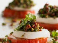 Tomate-Mozzarella mit Speck
