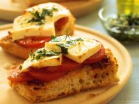 Tomaten-Crostini mit Käse Rezept