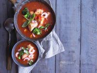 Tomaten-Fisch-Suppe mit Shrimps Rezept
