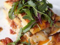 Tomaten-Käse-Polenta mit Rucola Rezept