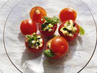 Tomaten mit Zucchinifüllung Rezept