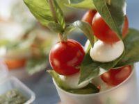Tomaten-Mozzarella-Spieße Rezept