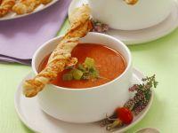 Tomatencremesuppe mit Blätterteig-Sticks Rezept