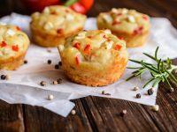 Tomatenmuffins mit Taggiasca-Oliven