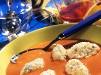 Tomatensuppe mit Käsenocken Rezept