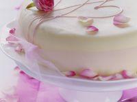 Torte mit Rosenblättern Rezept