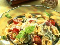 Tortellini mit Gemüse und Gorgonzolasauce