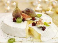Tortenbrie mit Cranberries und Feigen Rezept