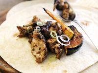 Tortilla mit Geflügelchili und gebratenem Kürbis Rezept