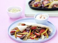 Tortilla mit Rindfleisch, Paprika und Erdbeeren Rezept
