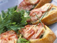 Überbackenes Tomaten-Baguette Rezept