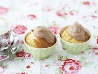 Vanille-Cupcake mit Schokosahne Rezept