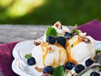 Vanilleeis mit Karamellsauce Rezept
