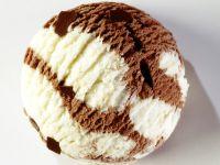 Vanilleeis mit Schokolade Rezept