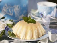 Vanillepudding mit Eierlikör-Soße Rezept