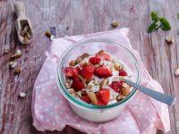 Vanillequark mit Erdbeeren Rezept