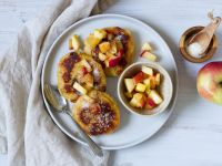 Vegane Quarkkeulchen mit Apfelkompott Rezept