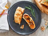 Veganer Braten mit Kürbis-Pilz-Füllung Rezept