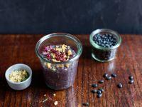 Veganer Brotaufstrich mit schwarzen Bohnen und Walnüssen Rezept