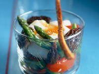 Verlorenes Ei auf Morchel-Spargel-Salat Rezept