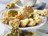 Verschieden verzierte Butterplätzchen Rezept