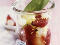 Verschiedene Zwiebeln in Rotwein mariniert Rezept