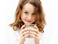 Viel trinken: Warum das für Kinder so wichtig ist