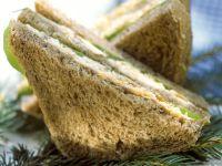 Vollkorn-Sandwich mit Gemüse und Karotte Rezept