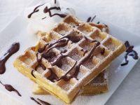 Waffeln mit Schokoladensoße Rezept