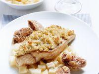Waller mit Meerrettichhaube und Kartoffel-Apfel-Gemüse Rezept