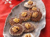 Walnuss-Schoko-Taler mit Marmeladenfüllung Rezept