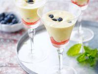Warme Weinschaumcreme mit Früchten Rezept