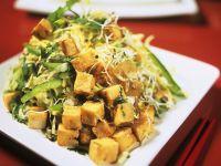 Warmer Kohlsalat mit Tofu Rezept
