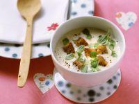 Weinsuppe mit Majoran und Croutons Rezept